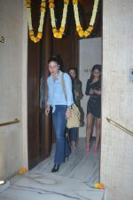 Kareena Kapoor Spotted At Manish Malotra_s House In Bandra on 21st Oct 2018 (13)_5bceb8d45cd81.JPG