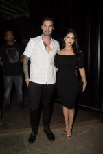 Sunny Leone & Daniel Webber Spotted At B Lounge Juhu on 21st Oct 2018 (9)_5bceb91ef15f4.JPG