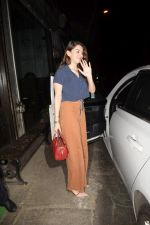 Hansika Motwane Spotted At Silver Beach Cafe In Juhu on 23rd Oct 2018 (1)_5bd018057a900.JPG