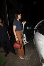 Hansika Motwane Spotted At Silver Beach Cafe In Juhu on 23rd Oct 2018 (3)_5bd018084a040.JPG