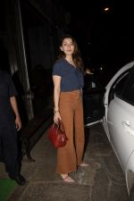 Hansika Motwane Spotted At Silver Beach Cafe In Juhu on 23rd Oct 2018 (4)_5bd01809afe35.JPG