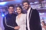 Kartik Aaryan, Kiara Advani as Showstoppers for Manish Malhotra_s Buy Now,See Now Collection on 25th Oct 2018 (4)_5bd2bf5c05f32.JPG