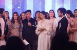 Kartik Aaryan, Kiara Advani as Showstoppers for Manish Malhotra_s Buy Now,See Now Collection on 25th Oct 2018 (6)_5bd2bf5ed220d.JPG
