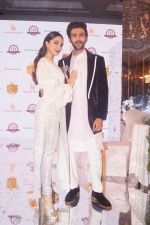 Kartik Aaryan, Kiara Advani as Showstoppers for Manish Malhotra_s Buy Now,See Now Collection on 25th Oct 2018 (75)_5bd2bf6827214.JPG