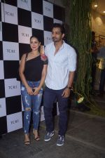 Kim Sharma, Harshvardhan Rane at the Grand Opening Ceremony of Skechers Mega Store on 25th Oct 2018 (63)_5bd2b5f7e084f.JPG