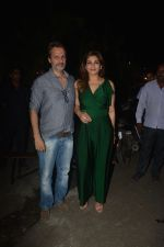 Raveena Tandon spotted with family at Pali Bhavan restaurant in bandra on 25th Oct 2018 (10)_5bd2c4fe6d031.JPG