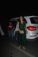 Raveena Tandon spotted with family at Pali Bhavan restaurant in bandra on 25th Oct 2018 (2)_5bd2c4ea46213.JPG