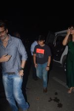Raveena Tandon spotted with family at Pali Bhavan restaurant in bandra on 25th Oct 2018 (4)_5bd2c4ef710e6.JPG
