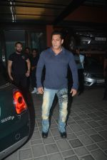 Salman Khan at Aayush Sharma Birthday Party on 25th Oct 2018 (33)_5bd2c4f7cecfe.JPG