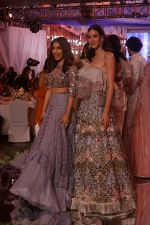 Sophie Choudry at Manish Malhotra_s Buy Now,See Now Collection on 25th Oct 2018 (61)_5bd2bfa919962.JPG