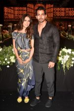 Kim Sharma, Harshvardhan Rane walk The Ramp at The Wedding Junction Show on 26th Oct 2018 (14)_5bd45855f29fb.JPG