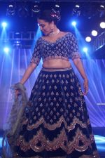 Swara Bhaskar walk The Ramp at The Wedding Junction Show on 26th Oct 2018 (69)_5bd458b928ec9.JPG