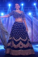 Swara Bhaskar walk The Ramp at The Wedding Junction Show on 26th Oct 2018 (73)_5bd458c0c1a1d.JPG