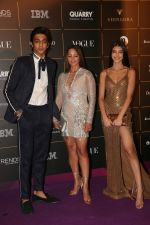 Alanna Panday, Deanne Pandey, Ahaan Panday at The Vogue Women Of The Year Awards 2018 on 27th Oct 2018 (280)_5bd6cff88a7b3.JPG