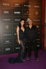 Alia Bhatt, Mahesh Bhatt at The Vogue Women Of The Year Awards 2018 on 27th Oct 2018 (393)_5bd6d0ea0b9db.JPG