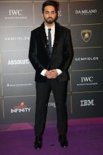 Ayushmann Khurrana at The Vogue Women Of The Year Awards 2018 on 27th Oct 2018 (333)_5bd6d16fd5459.JPG