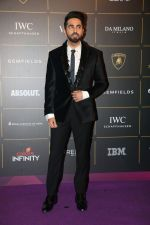 Ayushmann Khurrana at The Vogue Women Of The Year Awards 2018 on 27th Oct 2018 (336)_5bd6d1804ef35.JPG