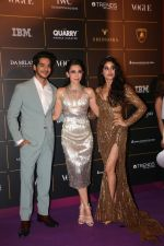 Janhvi Kapoor, Karisma Kapoor ,Ishaan Khattar at The Vogue Women Of The Year Awards 2018 on 27th Oct 2018 (207)_5bd6d21e44199.JPG