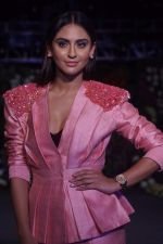 Krystle D�souza Walk The Ramp at The Wedding Junction Show on 27th Oct 2018 (30)_5bd6bd0e25892.JPG