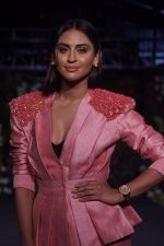 Krystle D�souza Walk The Ramp at The Wedding Junction Show on 27th Oct 2018 (32)_5bd6bd17acc97.JPG