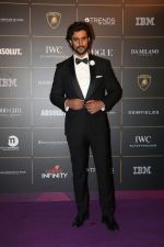 Kunal Kapoor at The Vogue Women Of The Year Awards 2018 on 27th Oct 2018 (74)_5bd6d524d3433.JPG
