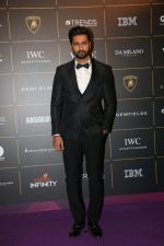 Vicky Kaushal at The Vogue Women Of The Year Awards 2018 on 27th Oct 2018 (234)_5bd6d6de3645e.JPG