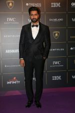 Vicky Kaushal at The Vogue Women Of The Year Awards 2018 on 27th Oct 2018 (235)_5bd6d6e093e57.JPG