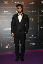 Vicky Kaushal at The Vogue Women Of The Year Awards 2018 on 27th Oct 2018 (236)_5bd6d6e30c56f.JPG