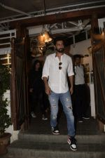 Vicky Kaushal spotted at Fable juhu on 27th Oct 2018 (3)_5bd6a5967b9c5.JPG