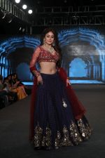 Kritika Kamra Walk The Ramp As ShowStopper For Designer Debarun At The Wedding Junction Show on 28th Oct 2018