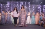 Sonal Chauhan Walk The Ramp As ShowStopper For Designer Sneha Parekh At The Wedding Junction Show on 28th Oct 2018 (10)_5bd8216c535df.JPG