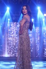 Sonal Chauhan Walk The Ramp As ShowStopper For Designer Sneha Parekh At The Wedding Junction Show on 28th Oct 2018 (3)_5bd8214af37df.JPG