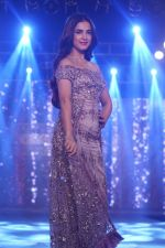 Sonal Chauhan Walk The Ramp As ShowStopper For Designer Sneha Parekh At The Wedding Junction Show on 28th Oct 2018 (5)_5bd8214e63522.JPG