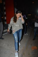 Gauri Khan spotted at Korner house in bandra on 29th Oct 2018 (15)_5bd94bcc88603.JPG