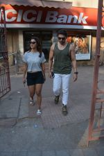 Gurmeet Chaudhary & wife spotted at juhu on 29th Oct 2018 (1)_5bd94bd5533ca.JPG