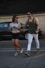 Gurmeet Chaudhary & wife spotted at juhu on 29th Oct 2018 (3)_5bd94bda088c3.JPG