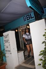 Shriya Saran spotted at Bblunt in bandra on 29th Oct 2018 (2)_5bd94cb51c950.JPG