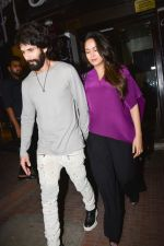 Shahid Kapoor, Mira Rajput at Ishaan Khattar_s birthday celebration in Bastian, bandra on 31st Oct 2018 (14)_5bdaff6644879.jpg