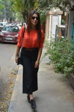 Shriya Saran Spotted At Bblunt In Bandra on 31st Oct 2018 (10)_5bdaff9253839.JPG