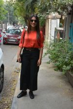 Shriya Saran Spotted At Bblunt In Bandra on 31st Oct 2018 (9)_5bdaff8f25889.JPG