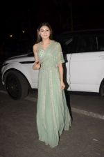 Urvashi Rautela spotted at juhu on 31st Oct 2018 (7)_5bdafff00e63e.JPG