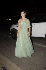 Urvashi Rautela spotted at juhu on 31st Oct 2018 (8)_5bdafff20f656.JPG