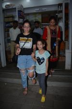 Manyata Dutt with daughter Iqra spotted at bandra on 1st Nov 2018 (10)_5bdc193be0d15.JPG