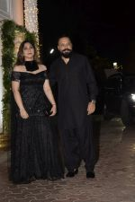 Bunty Walia at Shilpa Shetty_s Diwali party at juhu on 4th Nov 2018 (41)_5be012f947e8b.JPG
