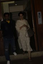 Kangana spotted at Kamal Jain_s office in juhu on 3rd Nov 2018 (3)_5bdfee34ed793.JPG