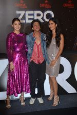 Shahrukh Khan, Anushka Sharma, Katrina Kaif at the Trailer launch of film Zero & Shahrukh Khan birthday celebration in Imax Wadala on 3rd Nov 2018 (76)_5bdfefc65f9f9.JPG