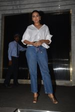 Swara Bhaskar at Shahrukh Khan_s birthday party in Arth in bandra on 2nd Nov 2018 (15)_5bdfe8758f65c.JPG