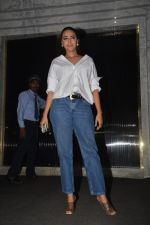 Swara Bhaskar at Shahrukh Khan_s birthday party in Arth in bandra on 2nd Nov 2018 (17)_5bdfe87a3cbc4.JPG