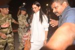 Deepika Padukone At Mumbai Airport As They Leave For Thier Wedding In Italy on 10th Nov 2018 (22)_5be92c3d52e33.JPG