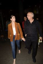 Alia Bhatt, Mahesh Bhatt spotted at airport on 11th Nov 2018 (7)_5bea6fcbe5e2b.JPG